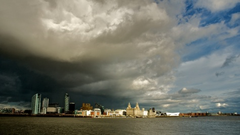 rain_clouds_over_liverpool